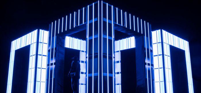在灯光矩阵中思考什么是真实 什么是虚幻