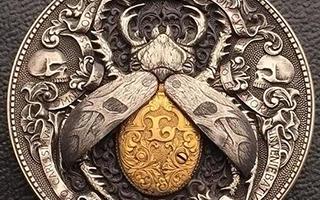 用硬币雕刻出来的《黄金虫子》