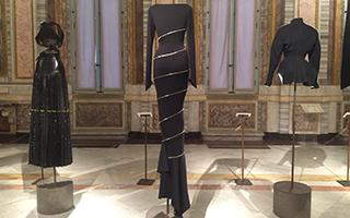 以雕塑家的思维 为时装界带来奇妙的设计