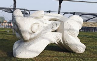 低碳雕塑呈现独特艺术之美