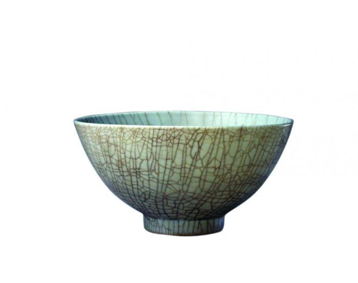 明宣德仿哥釉碗,高10.6cm,口径20.7cm,足径7.6cm
