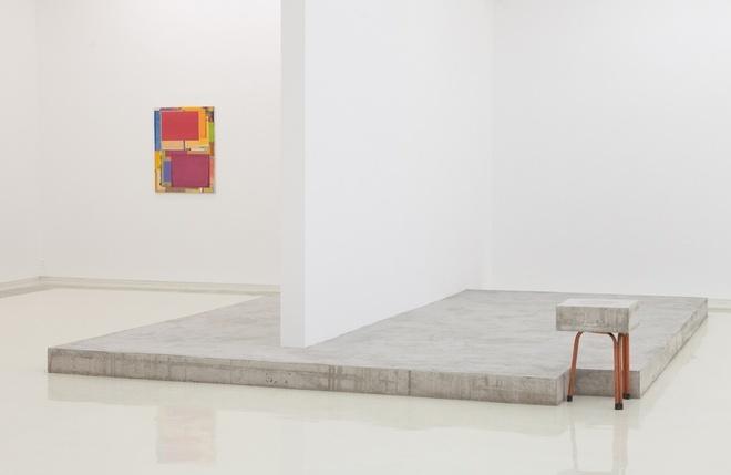 """2017偏锋新艺术空间""""本杰明·阿普尔:地下室花圃""""展览现场(©偏锋新艺术空间)"""