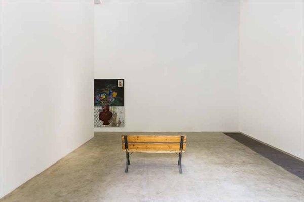 """2017北京现在画廊""""Parker Ito:#17""""现场,虽然是这位生于1986年的艺术家的亚洲首秀,画廊负责人黄燎原表示""""开幕前便已售罄"""""""