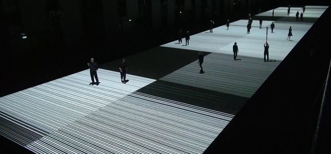 数列空间中的身体之舞