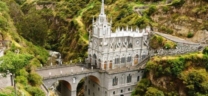 最不寻常的9座教堂