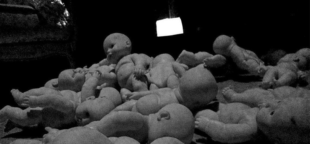 《死水边的美人鱼》:与观众一对一的表演方式