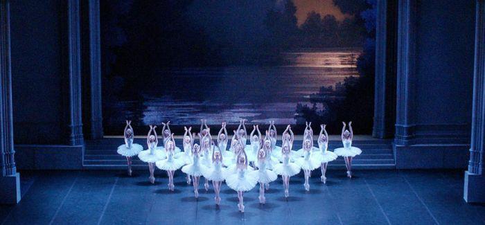 《纽瑞耶夫》:一场迟到了5个月的首演