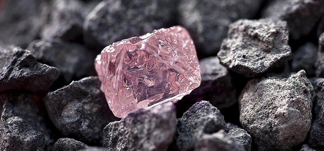全球钻石市场:增长的收入VS下降的需求