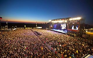 百名国际知名音乐人的狂欢