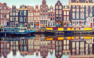 """阿姆斯特丹 运河交织出的""""水都""""风光"""