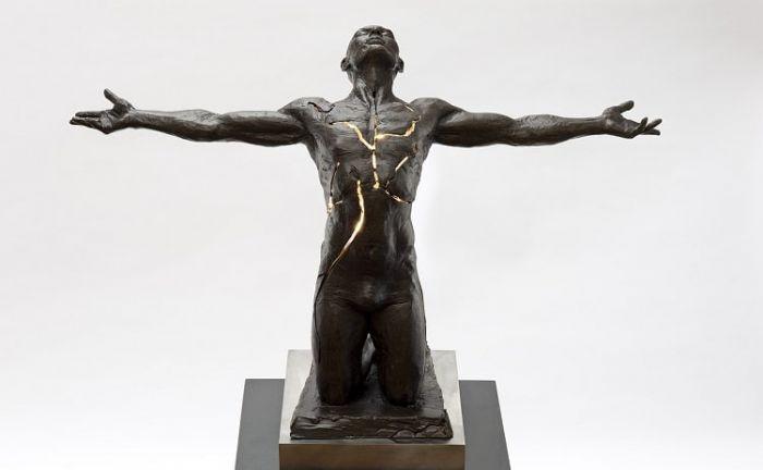 看当代艺术家如何玩转5000年的青铜
