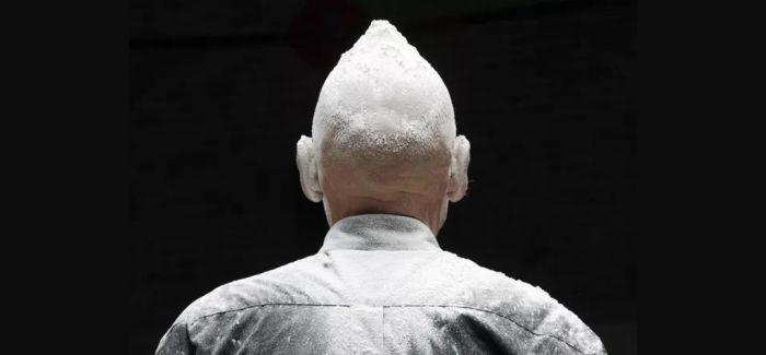 """行为艺术老炮尼格尔·罗尔夫的""""行为雕塑""""走进中国"""
