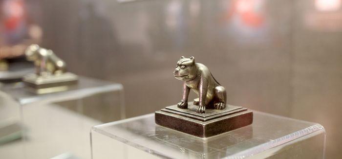 一场极具民族特色的展览正在浙江博物馆上演