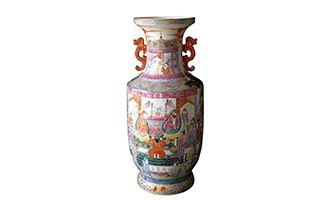 双耳盘口拜寿图瓷瓶所承载的历史