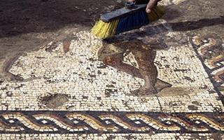 以色列出土罕见罗马时期马赛克画