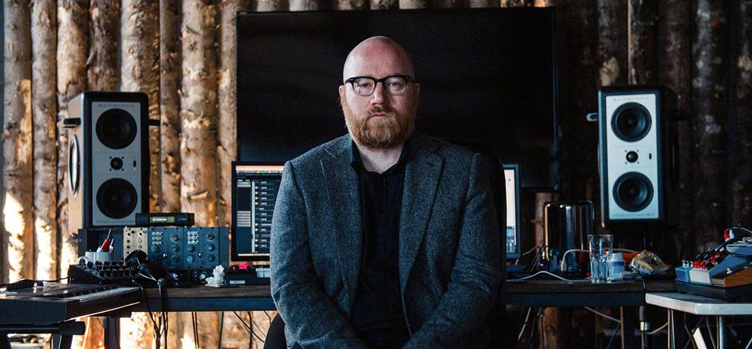 冰岛作曲家约翰·约翰森改变了好莱坞配乐