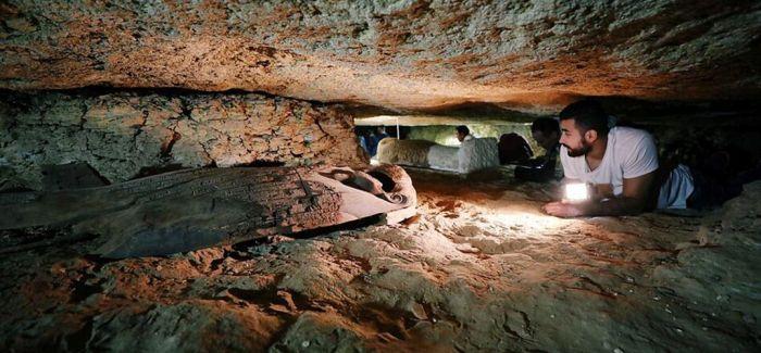 埃及3000年前大型墓地宝藏问世