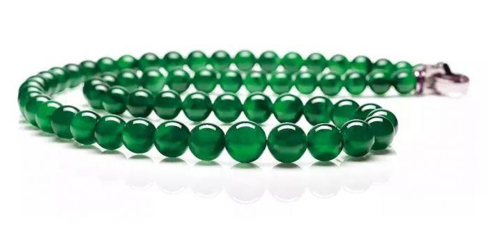 「帝王绿」为什么是藏家们的心头之选?