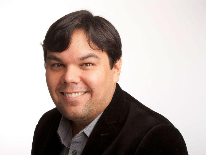 35674323-Robert-Lopez