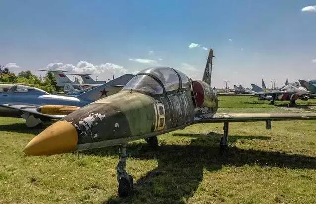 博物馆内展示了一两百架飞机,这是布拉格航空博物馆最大的特点.