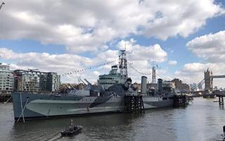 """一艘""""耄耋之年""""的老式战舰"""