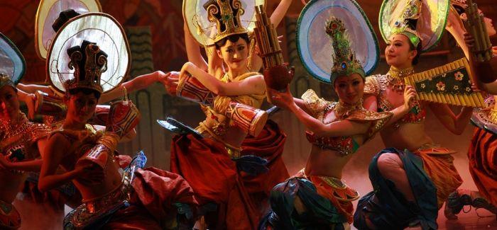 泰国民间艺术表演登陆海口 舞蹈充满异域风情