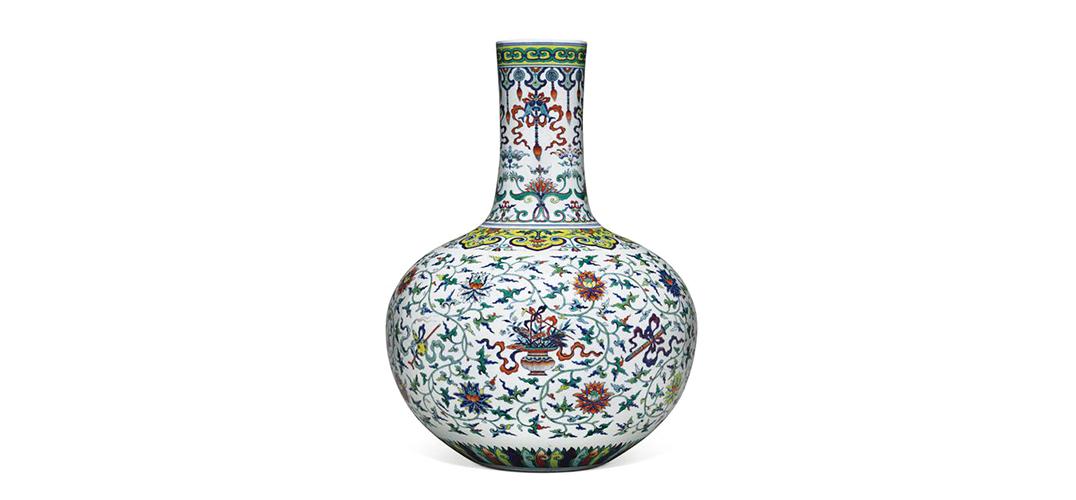 吸睛!美国一美术馆出售乾隆天球瓶