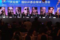 王家卫携国际评委为北京国际电影节打Call