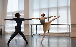 """《睡美人》:芭蕾王冠上的""""明珠"""""""
