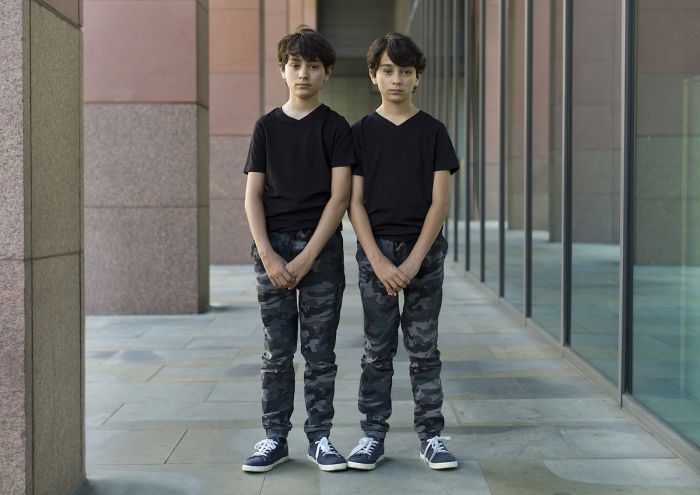 identical-twins-alike-but-not-alike-peter-zelewski-12