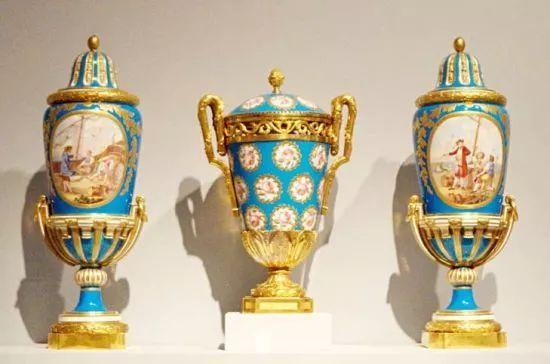 法国塞夫勒瓷器与德国麦森瓷器,英国韦奇伍德-碧玉炻器等皇家瓷器一起