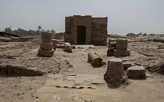 埃及南部发掘出古罗马皇帝大理石头像