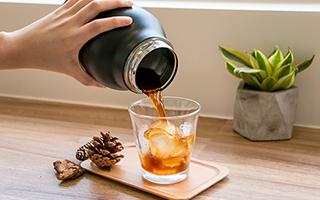 来杯冷萃咖啡 醒醒脑