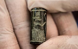 美国向伊拉克政府归还数千件走私文物