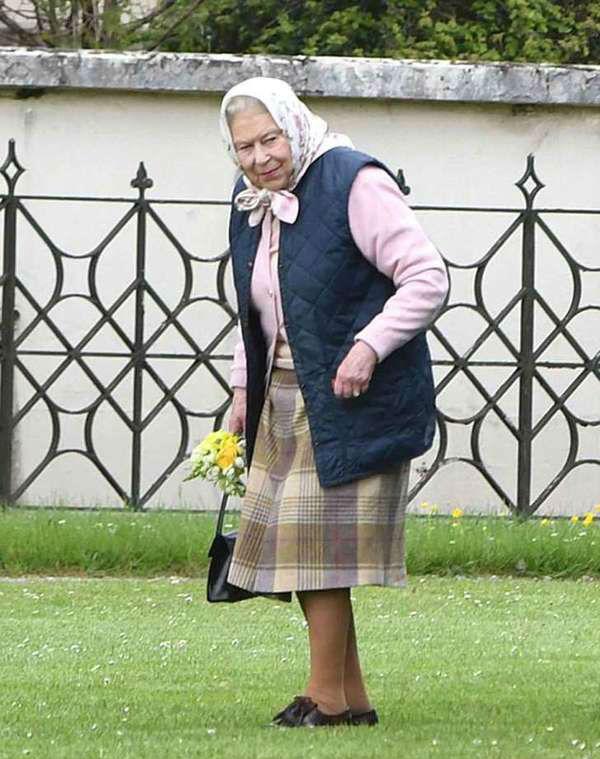 92岁的英女王(图片来源于Eno Global Media)