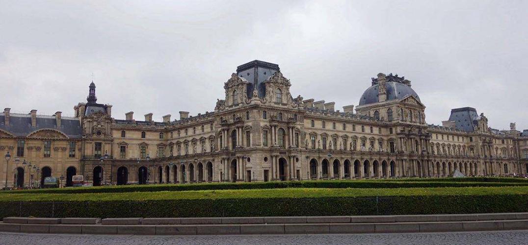 卢浮宫博物馆在德黑兰东京和朗斯的展览
