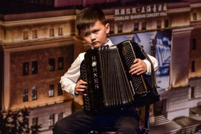 图4:小小音乐家们首次登上凯迪拉克·上海音乐厅的舞台,勇敢跨出了音乐旅程的第一步