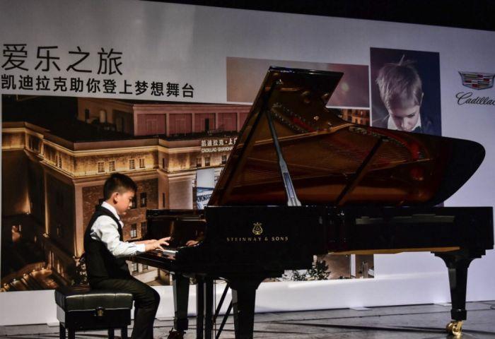 图2:小小音乐家们首次登上凯迪拉克·上海音乐厅的舞台,勇敢跨出了音乐旅程的第一步