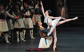 """莫斯科大剧院的""""大芭蕾""""——《海盗》"""