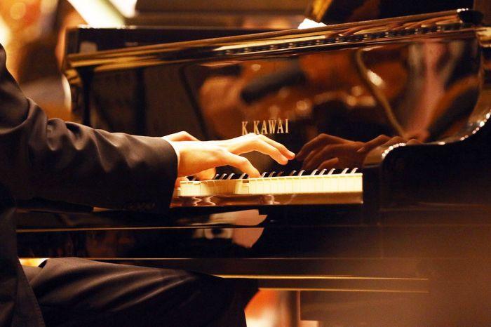 钢琴简谱 多年以前