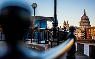 行走在伦敦的街头