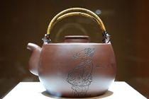 艺趣紫砂丨黄永玉:画壶就像一次行为艺术