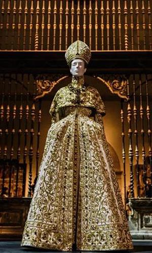 当时尚遇见宗教