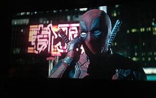 《死侍2》恶搞成了超级英雄的标配