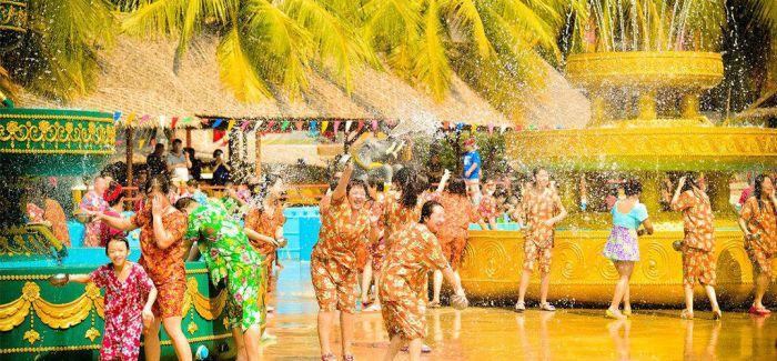 炎热夏季 去泰国参加泼水节吧