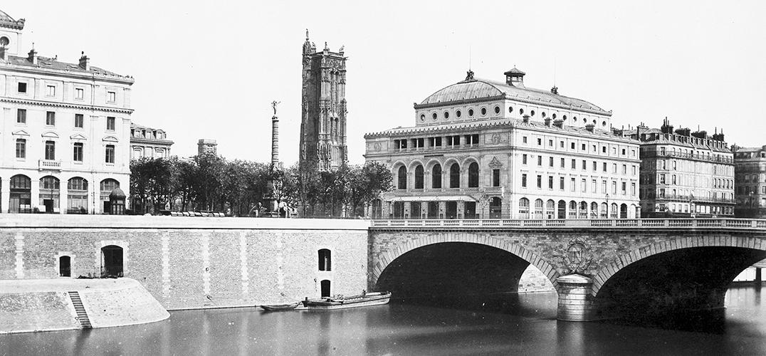 以建筑和风景摄影闻名的爱德华·巴尔杜斯