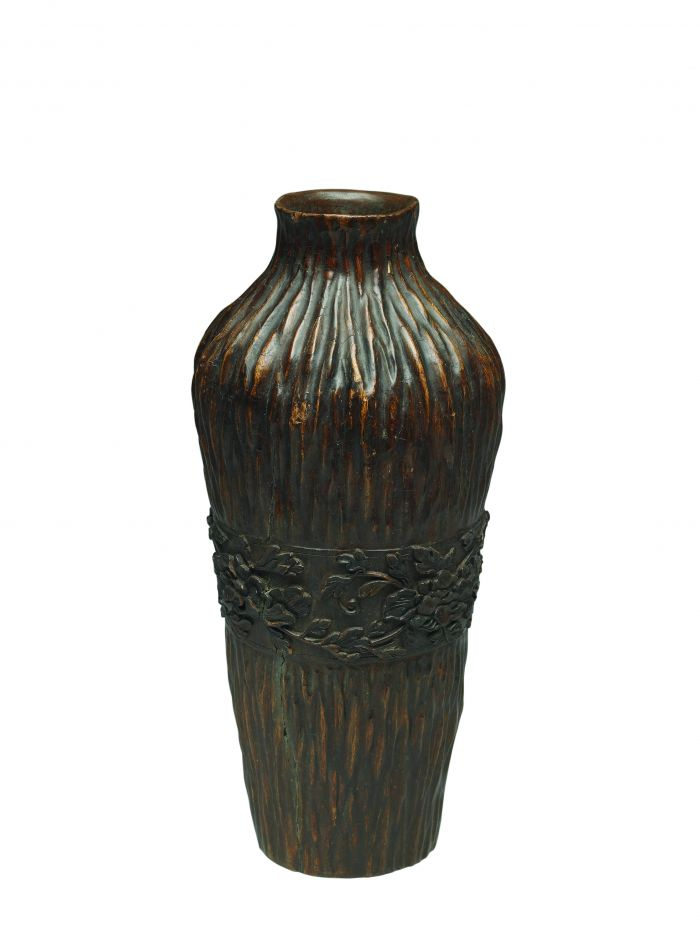 沉香木雕牡丹花紋瓶