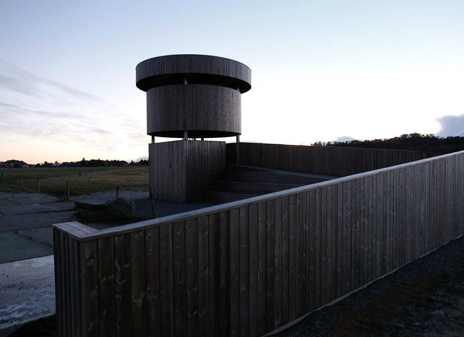 柔软的外表下,那是孤独坚强的灵魂丨挪威木制观鸟塔第6张图片