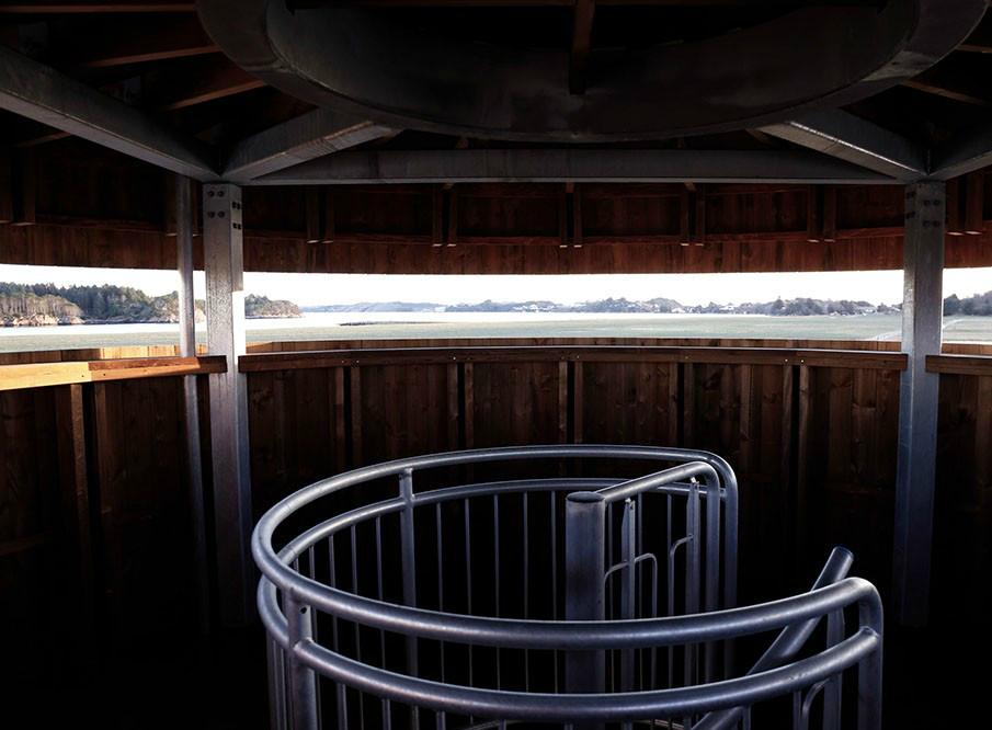 柔软的外表下,那是孤独坚强的灵魂丨挪威木制观鸟塔第7张图片
