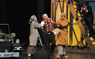《德·浦尔叟雅克先生》:芭蕾并非只可优雅